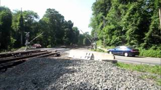preview picture of video 'MTA trains in North White Plains and Larchmont, NY'