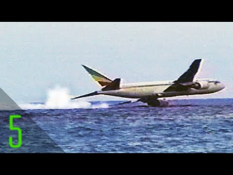 5 Unsettling Airplane Close Calls