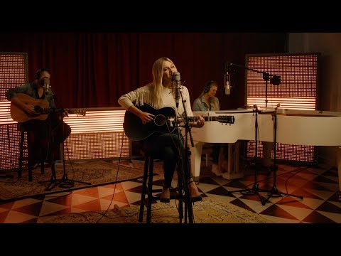 Kelsea Ballerini - homecoming queen? (YouTube Sessions: Performance)