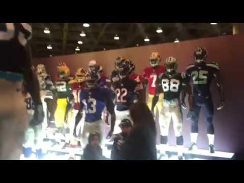 Miles de productos para aficionados a la NFL
