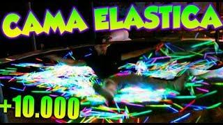 SALTAMOS en CAMA ELÁSTICA con +10.000 BARRAS DE LUZ DE NOCHE A LAS 3:33 AM Makiman
