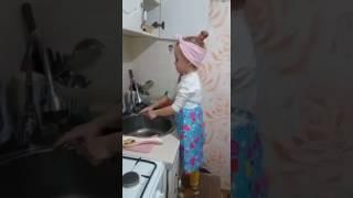 Маленькая Девочка Матерится
