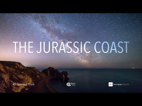 חוף היורה: צפו ביופי של אתר המורשת העולמית באנגליה