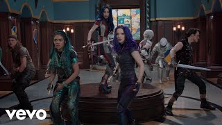 Musik-Video-Miniaturansicht zu Night Falls Songtext von Descendants 3 Cast