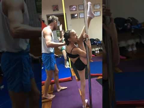 Kids gymnastics training camp, Тренировки на спортивном пилоне для детей