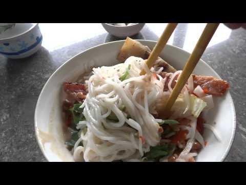 Bún thịt nướng  Pleiku Gia Lai vietnam ขนมจีนหมูย่าง