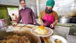 Pakistani KABLI PULAO & DUMPO!! Pakistani Street Food in Karkhano Market | Peshawar, Pakistan