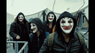 小伙组建起一个黑客组织,成员各个神通广大,能黑掉任何系统