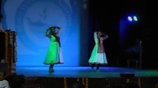 Mohe Rang Do Lal By Aadharshila Kala Kendra Delhi