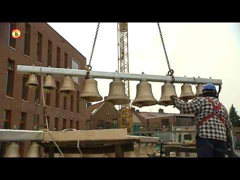 Carillon in Boxmeer weer op zijn plek