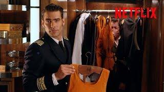 Instrucciones De Seguridad Con Nicolás (Jon Kortajarena) | Alta Mar | Netflix España