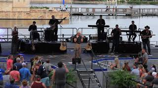 "Aaron Tippin Live at Sea World 2019..... - ""My Blue Angel"""
