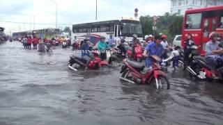 Sài Gòn ngập nước kẹt xe tứ phía sau cơn mưa lớn