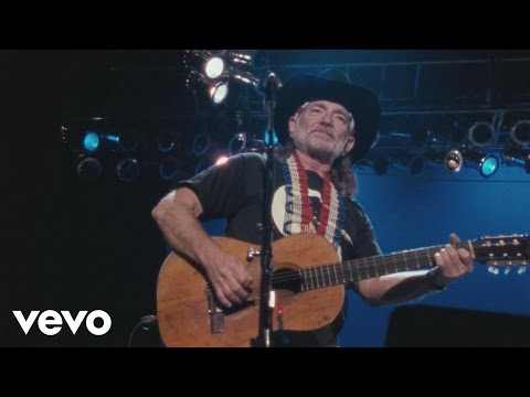 The Highwaymen - Blue Eyes Crying In the Rain (Live)