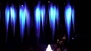Dolly Parton singing These Old Bones in Stockholm