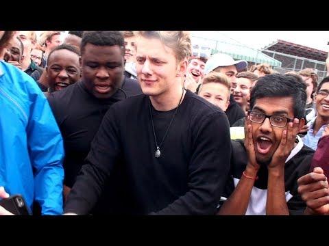 BEST High School Rap Battle EVER - Crowd FREAKS OUT