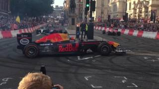 Formula 1 Live In London for British GP - Raw footage from Trafalgar Square