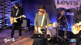 Cheap Trick in Levi's Lounge - 'I Want You To Want Me'