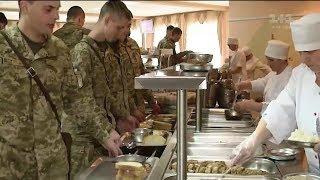 Хто і скільки планує заробити на харчуванні солдат