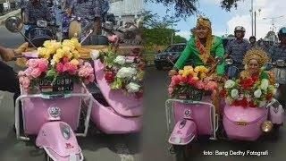 Viral 'Wedding Vespa' Merah Jambu dari Soppeng