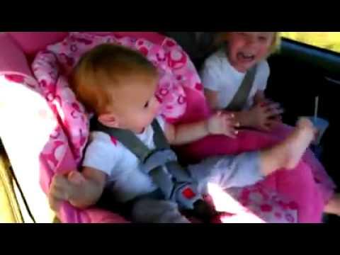 Fungo di unghie sulle dita di mani al bambino
