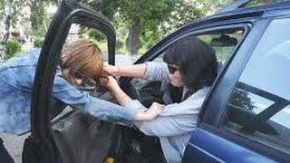 Девушки за рулем! Осторожно они дерутся