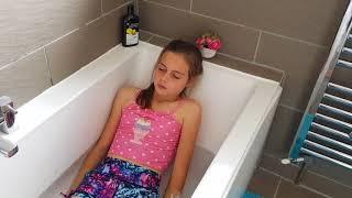 смотреть видео молодые ебутся в ванной - 6
