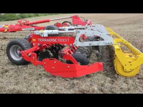 The first disc harrow POETTINGER TERRADISC 10001T in Bulgaria