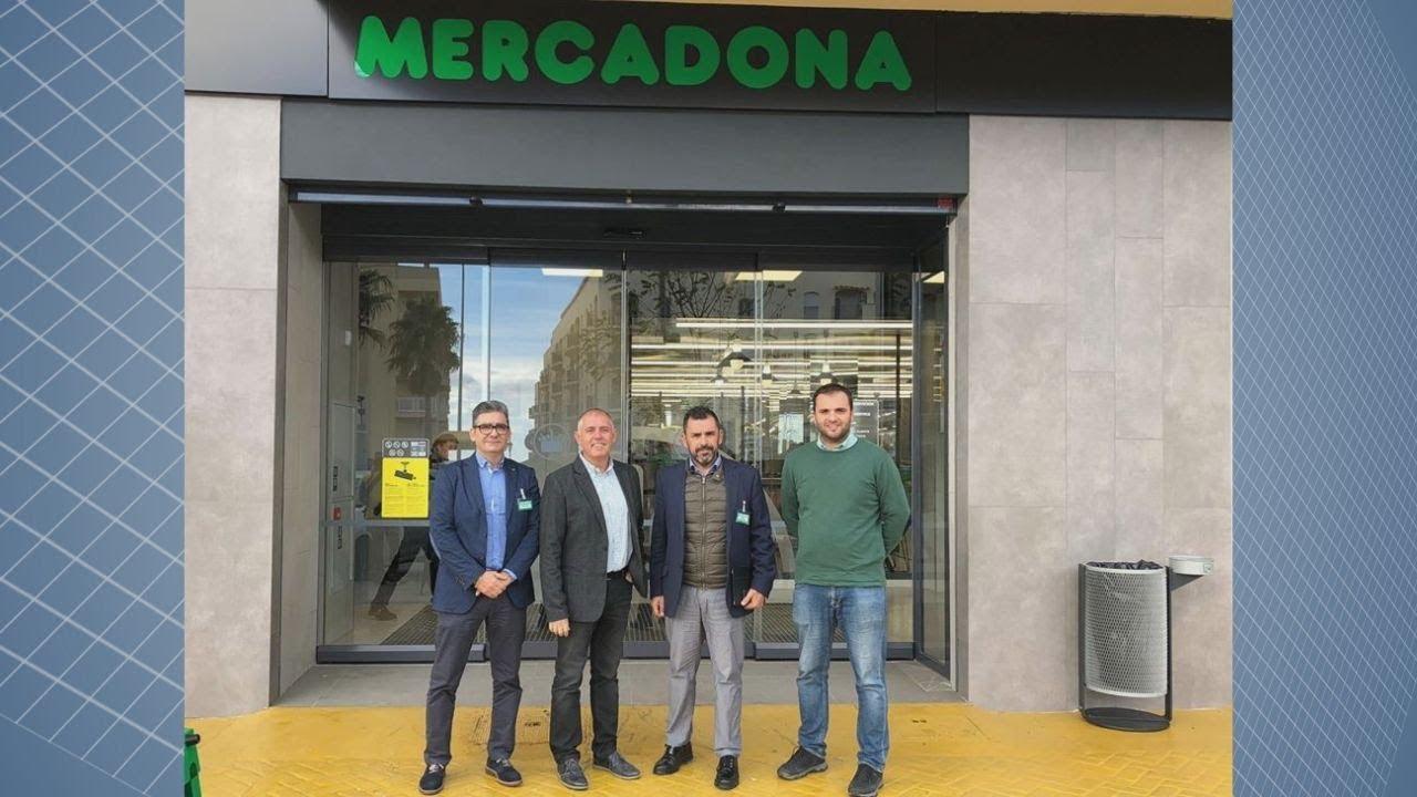 LAS AUTORIDADES MUNICIPALES EN LA REAPERTURA DE MERCADONA