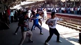preview picture of video 'Flash mob in Mumbai Railway Station'