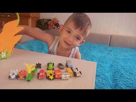 Видео обзор на машинки из Kinder Surprise! Моя маленькая коллекция.