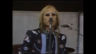 Tom Petty and the Heartbreakers - The Waiting - Live Aid (1985)