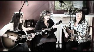 Matraca Berg, Gretchen Peters & Suzy Bogguss - Farther along