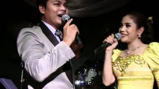 Yun Sopheap & Chhoun Sovanchai sing a classic Khmer Leur song in Stockton, CA