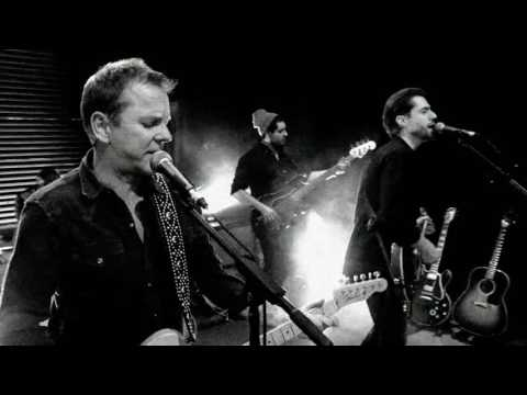 Kiefer Sutherland - Can't Stay Away (Official Music Video)