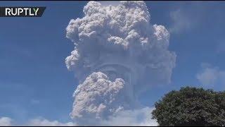Ashroom Cloud: Mount Sinabung erupts in Indonesia