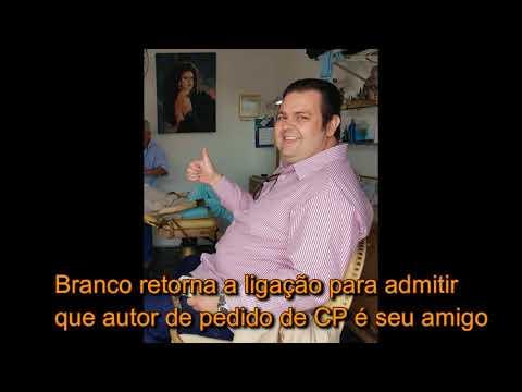 Branco abraça Antonio de Souza, a quem disse não conhecer ao ser questionado pelo Diário e se desmentir depois