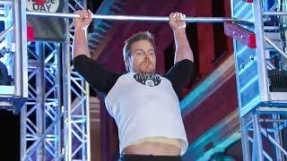 Arrow's Star Stephen Amell Tear Through American Ninja Warrior Course - Full Video