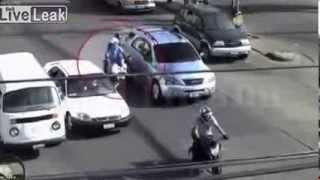 Ceza yazmak için durduğu motosiklet, trafik polisinin sonu oldu