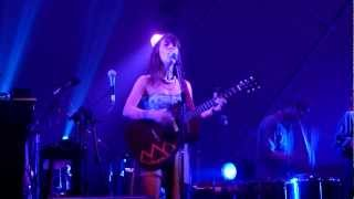 """Feist - """"The Bad In Each Other"""" live @ Cine Joia, São Paulo, Brasil (HD)"""