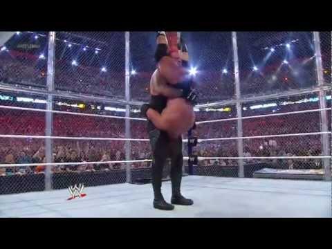 Trận siêu kinh điển WWE 2012.....