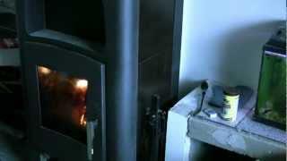 Каминная печь Haas+Sohn Kalmar II 11 с водяным контуром ( кафельная печь, каминофен ) Черная/Бежевая от компании House heat - видео