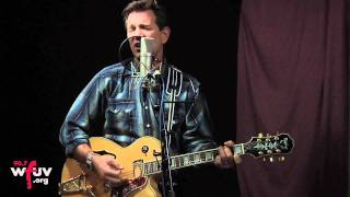 "Chris Isaak - ""Great Balls of Fire"" (Live at WFUV)"