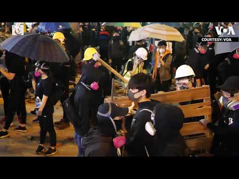 Protesters Clash with Hong Kong Police in Yau Ma Tei