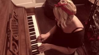 """Gwen Sebastian sings """"Can't Change Me"""" by Chris Cornell"""