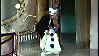 "Judy Garland and Van Johnson perform ""Mr. and Mrs. Clown"""