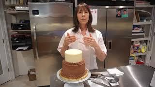 Cutting a Multi Tier Cake   HD 720p