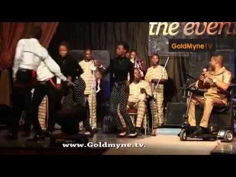 YINKA AYEFELE PERFORMS AT OPA WILLIAMS' SPINAL CORD CHARITY CONCERT