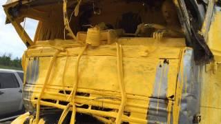 Смотреть онлайн ДТП на трассе М4: тонны краски вылились на дорогу