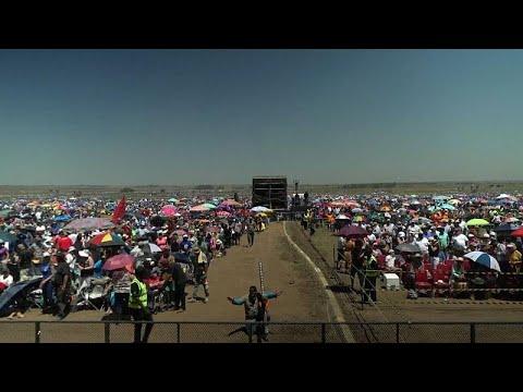 العرب اليوم - شاهد : أكبر صلاة جماعية في جنوب أفريقيا
